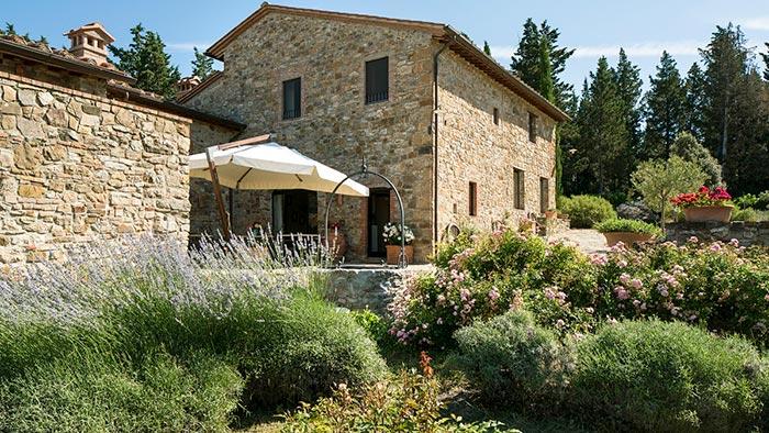 villa-castellina-tuscany-01