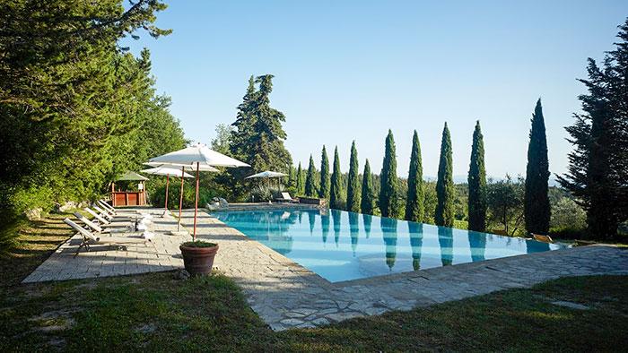 villa-castellina-tuscany-03