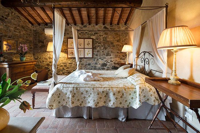 villa-castellina-tuscany-05